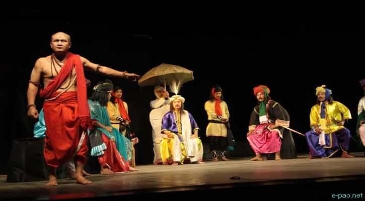 মঞ্চে অভিনীত হচ্ছে নাটক কৃষ্ণকুমারী; Image Courtesy: tagbangla.com
