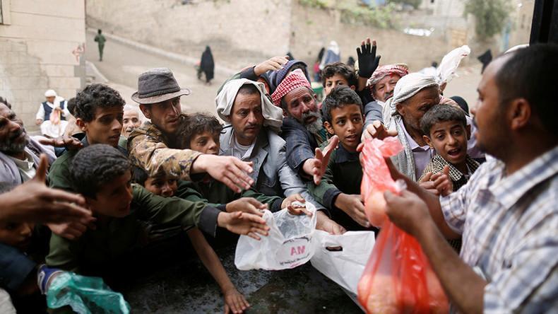 খাদ্যর অভাবে প্রতিদিন মারা গেছে শত শত মানুষ; Image Courtesy: alwaght.com