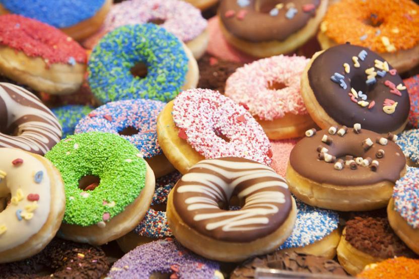 নানা বাহারি রঙ ও ডিজাইনে তৈরি করা হয় ডোনাট; Image Courtesy: radiodms.com